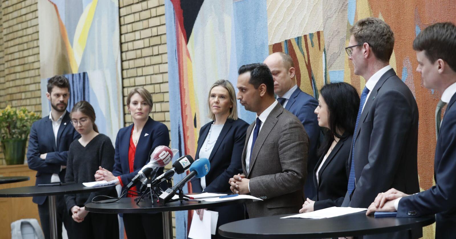 Pressekonferanse på Stortinget i forbindelse med regjeringens krisepakke.Foto: Terje Bendiksby / NTB scanpix