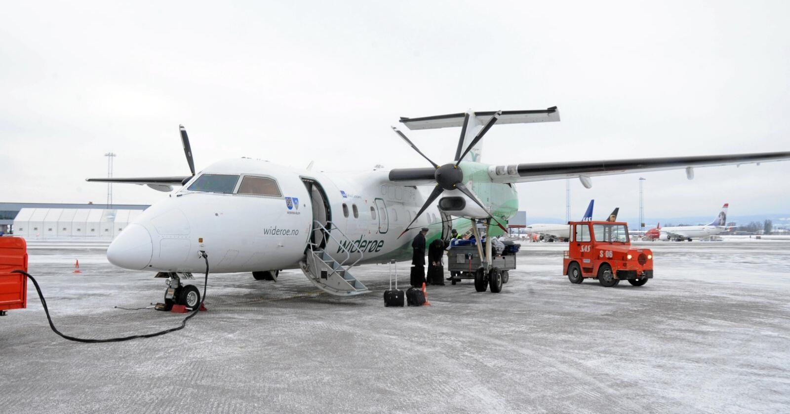Kutter: Fra 4. mai kutter Widerøe totalt 4000 flyavganger per år. Foto: Mariann Tvete