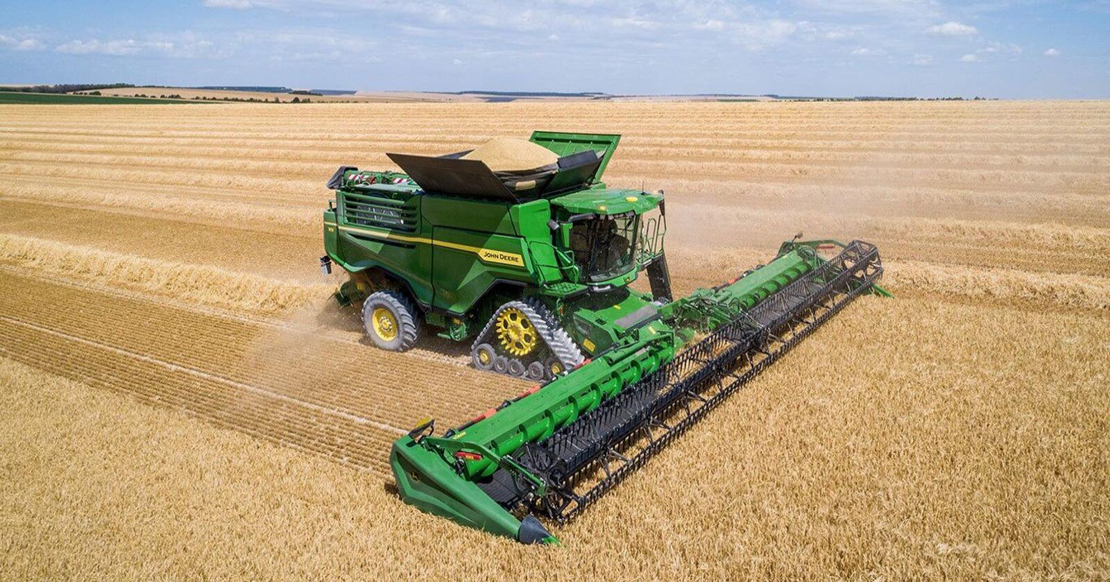 X: John Deere sin nye X-serie har kapasitet til å treske 100 tonn hvete i timen. Foto: John Deere