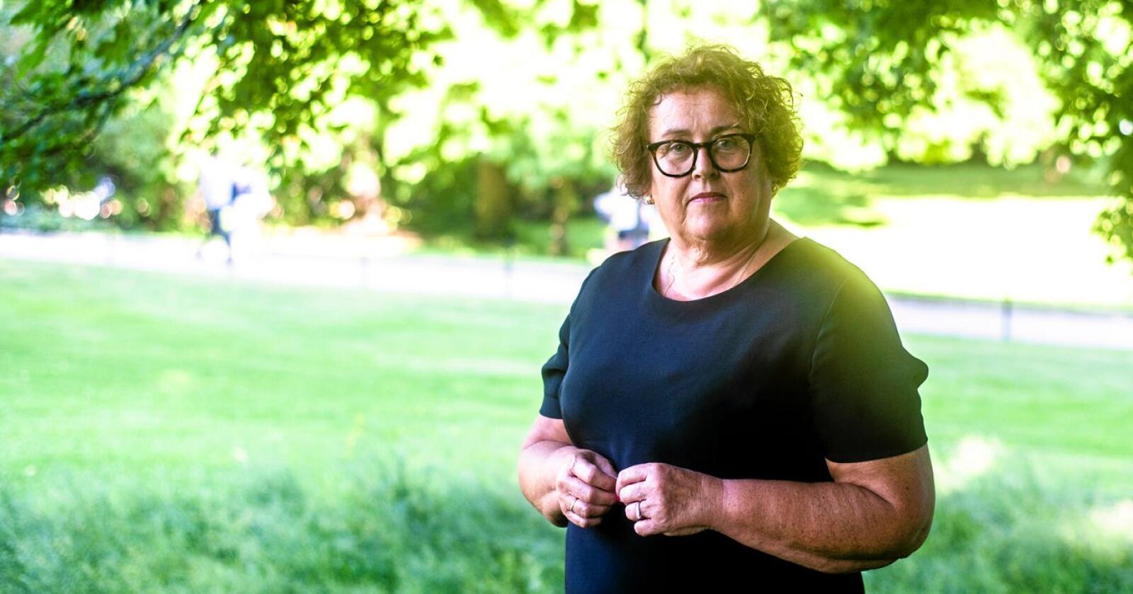 Jordbruksareal: Landbruks- og matminister Olaug Bollestad (KrF) vedgår at «jordbruksarealet» blir kunstig høgt når private hagar, parkar eller kommunale friareal kan stå oppført som jordbruksjord etter meir enn 50 år. Ho tar derimot ikkje initiativ til å rydde og ventar på vedtak i Stortinget. Her frå Slottsparken i Oslo i fjor. Foto: Annika Byrde / NTB scanpix