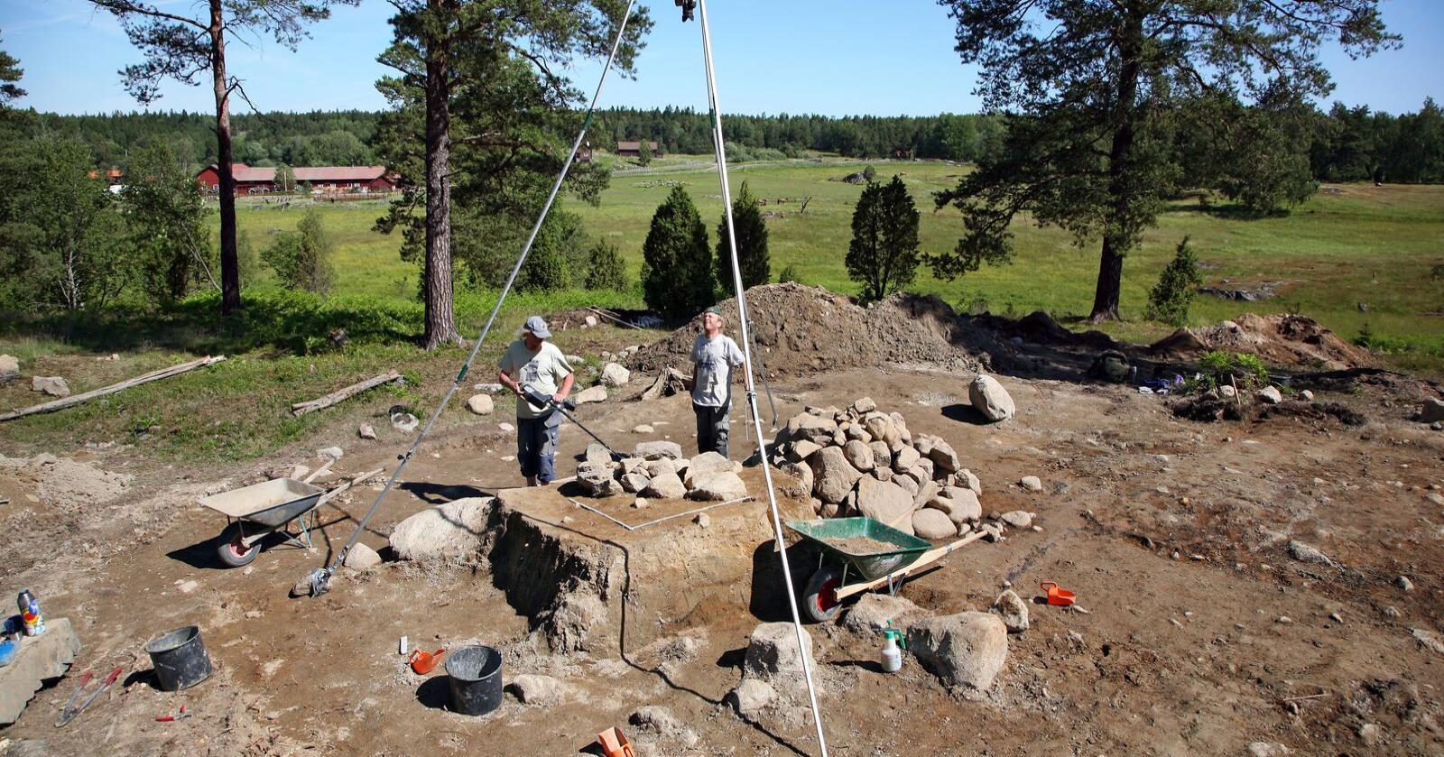 Illustrasjonsfoto fra arkologisk utgraving  av en gravhaug. Foto: Johan Bjurer/Mostphotos