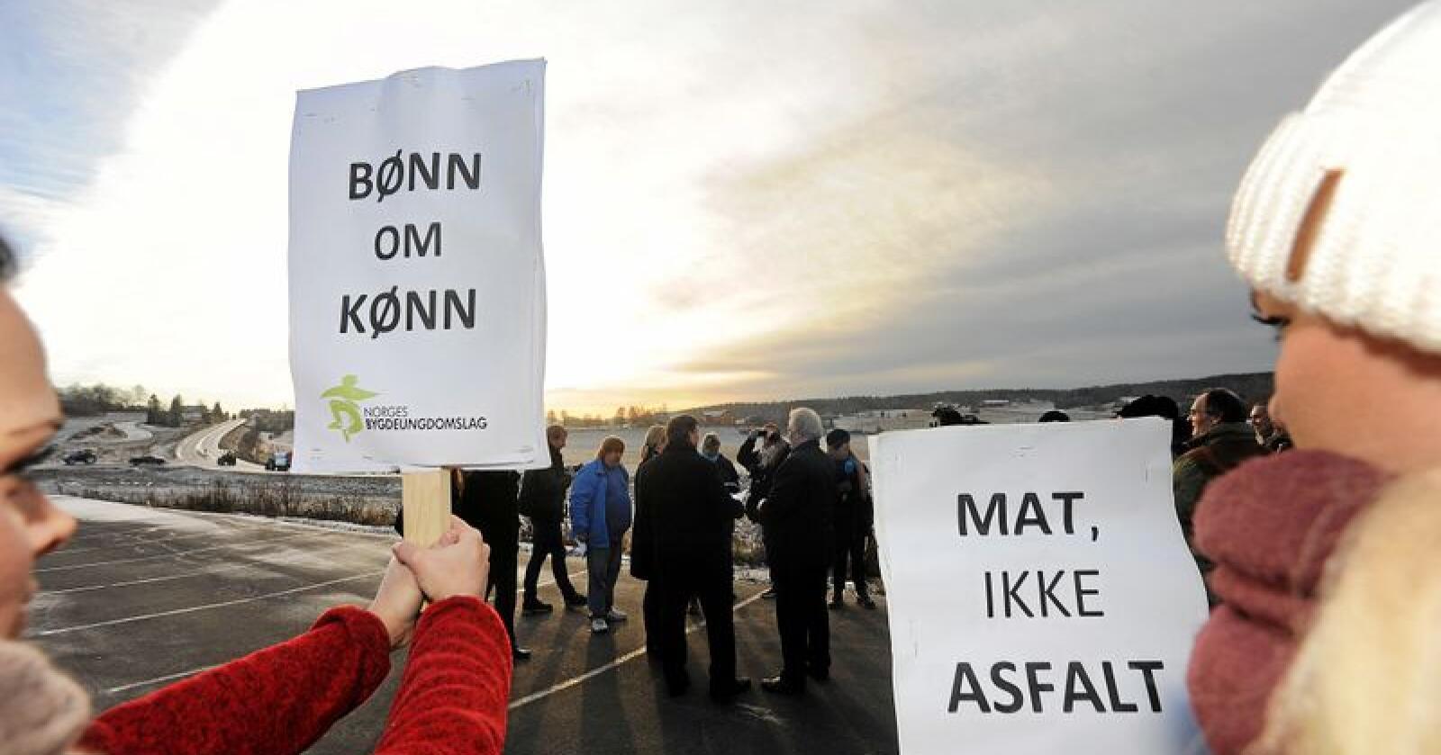 Hett før vedtak: Næringsbygg og asfalt på kornjord i Akershus er stadig ingen god idé. Foto: Siri Juell Rasmussen