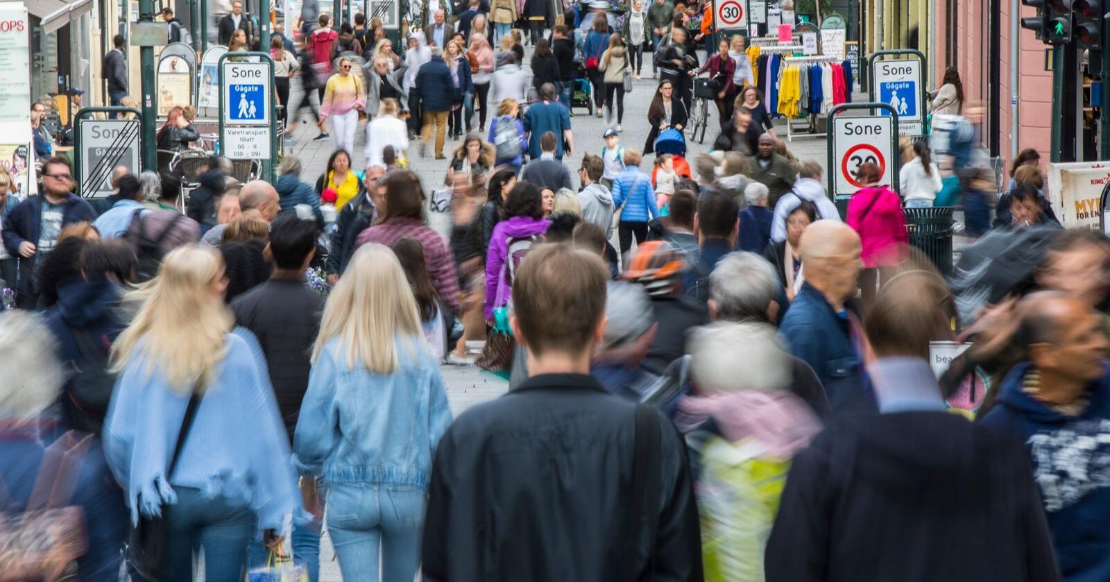 Det er byene som vil vokse, ifølge SSB. Bildet er tatt på Karl Johans gate i Oslo. Foto: Vidar Ruud / NTB scanpix