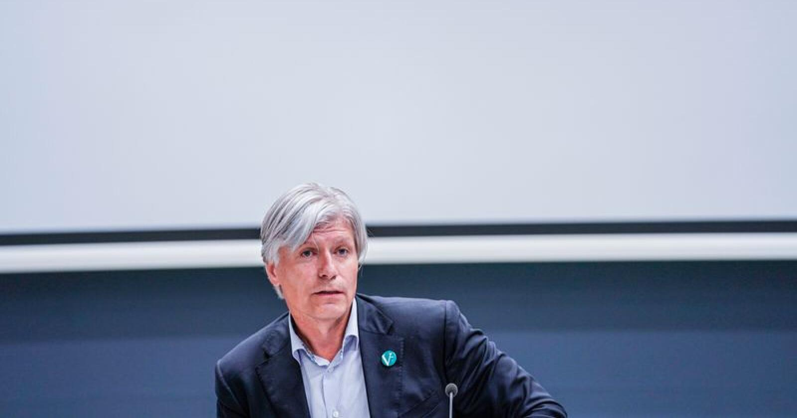 Klima- og miljøminister Ola Elvestuen (V) vil sette av tre millioner klimakvoter i en reserve. Foto: Stian Lysberg Solum / NTB scanpix