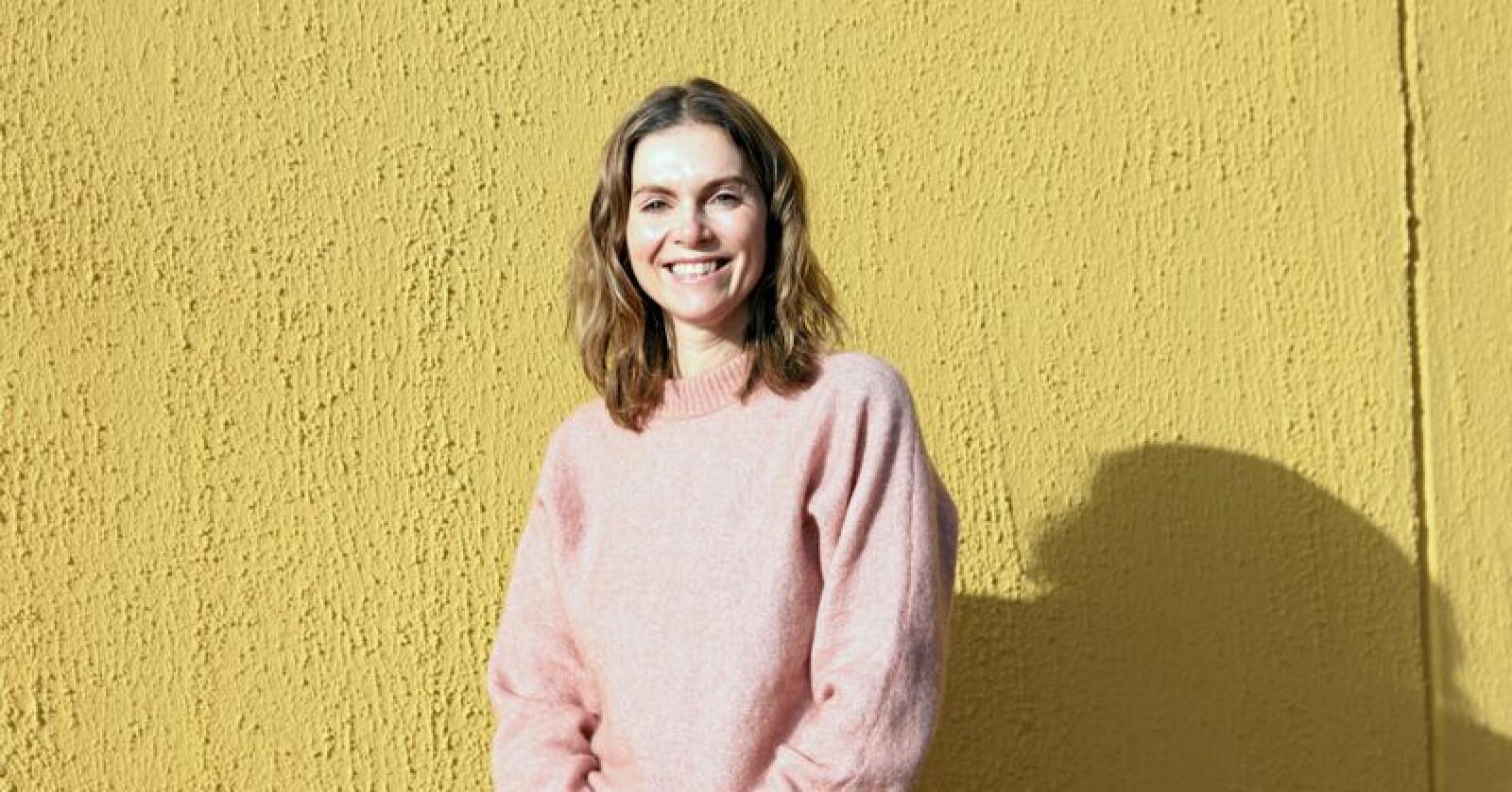 Camilla Larsen gleder seg til å ta fatt på stillingen som generalsekretær i Norges Birøkterlag. Foto: Hanna Taugbøl
