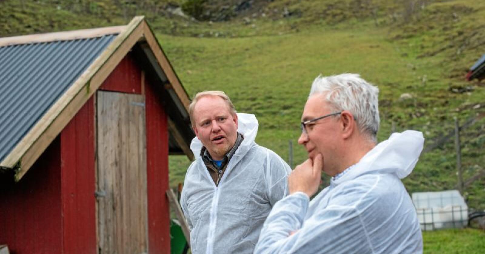 Fjernt fra virkeligheten: Det drar ikke velgere at Venstre-folk (André N. Skjelstad t.h) legger ned næringer de aldri har sett. Foto: Håvard Zeiner