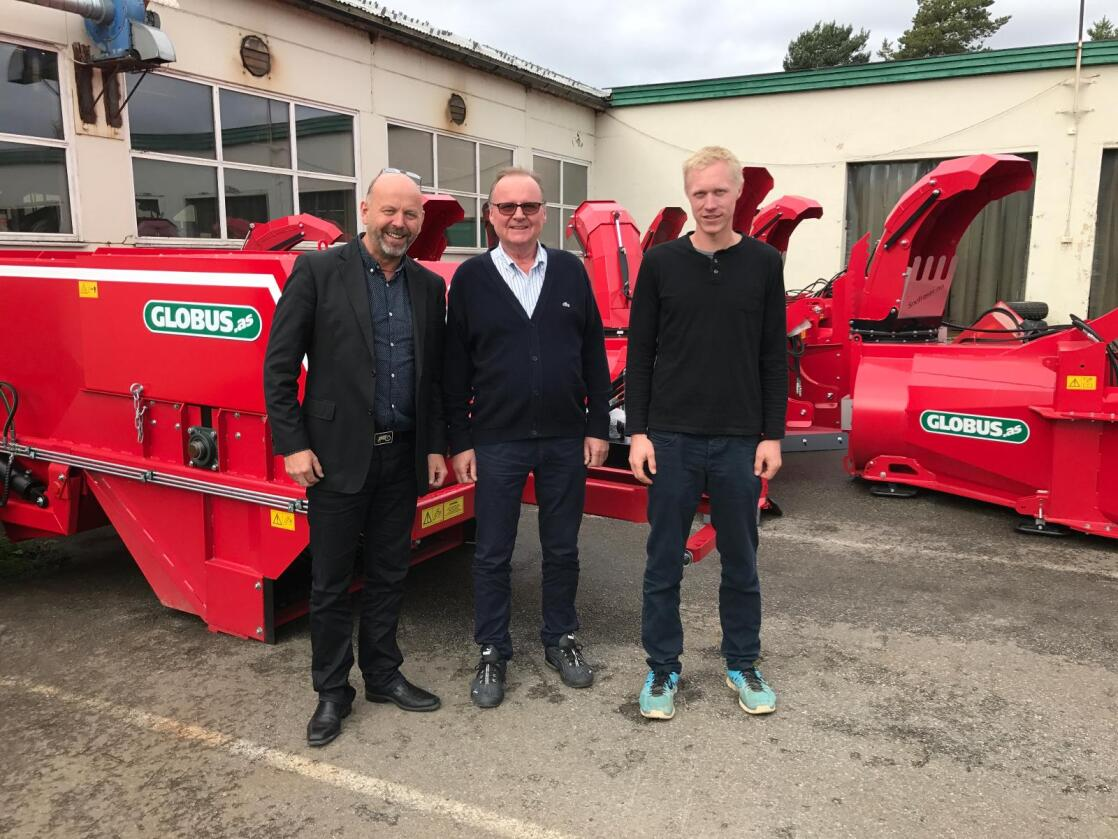 Fornøyde med avtalen: Bjørn Rygg, konsernsjef BRI (fra venstre), Helge Hagen, H. Nordahl Hagen AS, og Håvard Schiager, daglig leder Globus AS. (Foto: BRI)