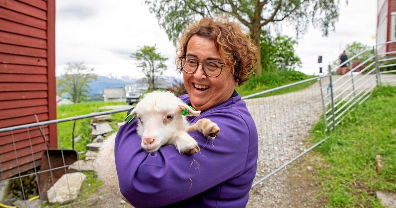 Landbruks- og matminister Olaug Bollestad (KrF) avslørte tirsdag at tilskuddene til veterinærvakta vil bestå, på tross av forslaget om å legge det inn i de generelle tilskuddene til kommunene. Foto: Kari Nygard Tvilde