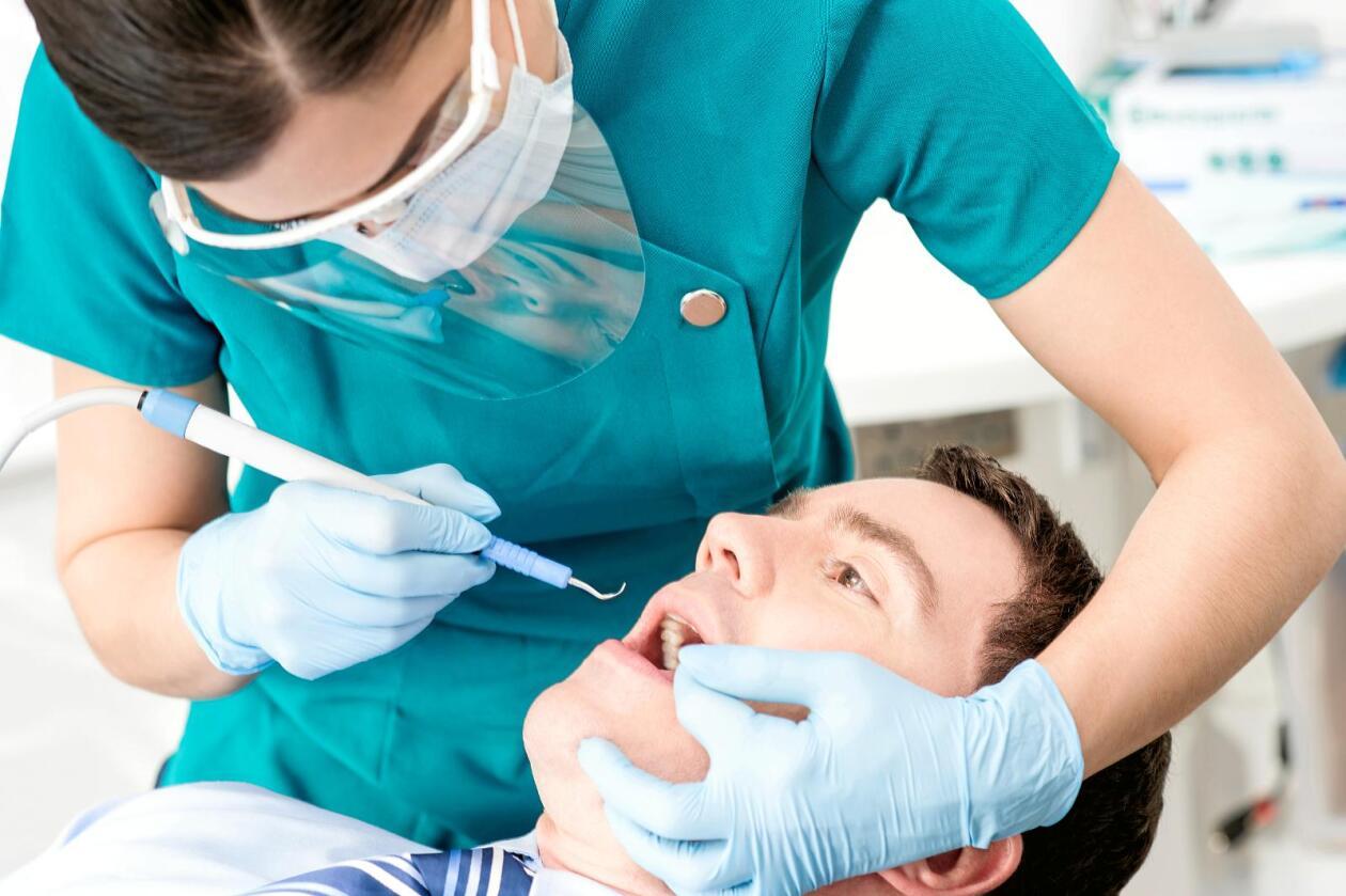 Helsetjenester: Skal helsetjenester, som tannbehandling, være en del av et markeds fri flyt-prinsipp?Foto: Colourbox