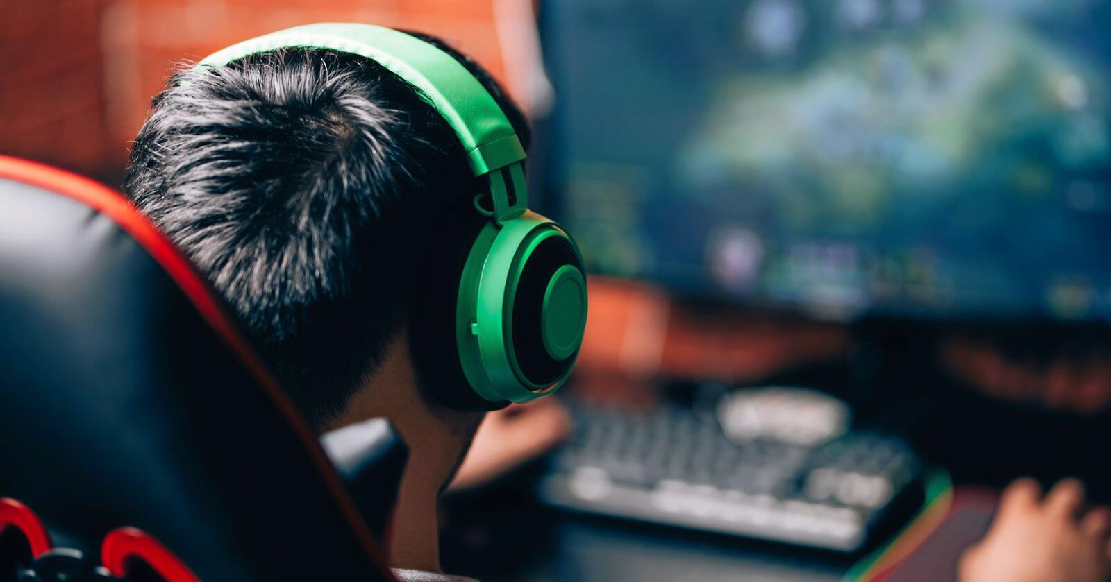 Utbredt aktivitet: Dataspill er ikke lenger et subkulturelt fenomen, som for et par tiår siden. I dag er det en viktig og utbredt fritidsaktivitet både blant barn, ungdommer og voksne. Foto: Mostphotos