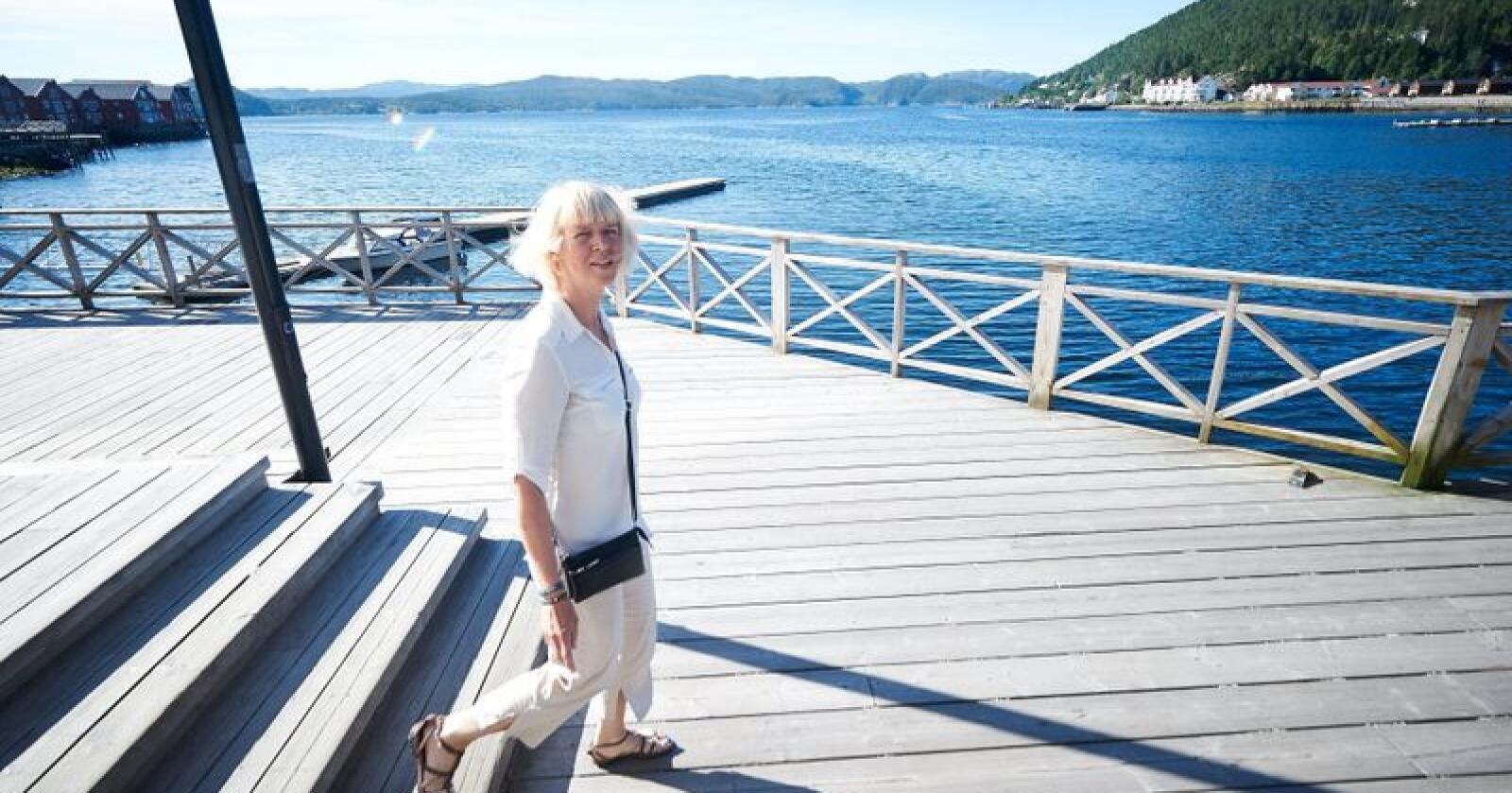 Namsos-ordfører Arnhild Holstad (Ap) mener det vil ha store konsekvenser hvis Namdal tingrett blir lagt ned. Tirsdag kommer forslaget som kan ramme både Namdal og mange andre regioner hardt. Foto: Sivert Rossing