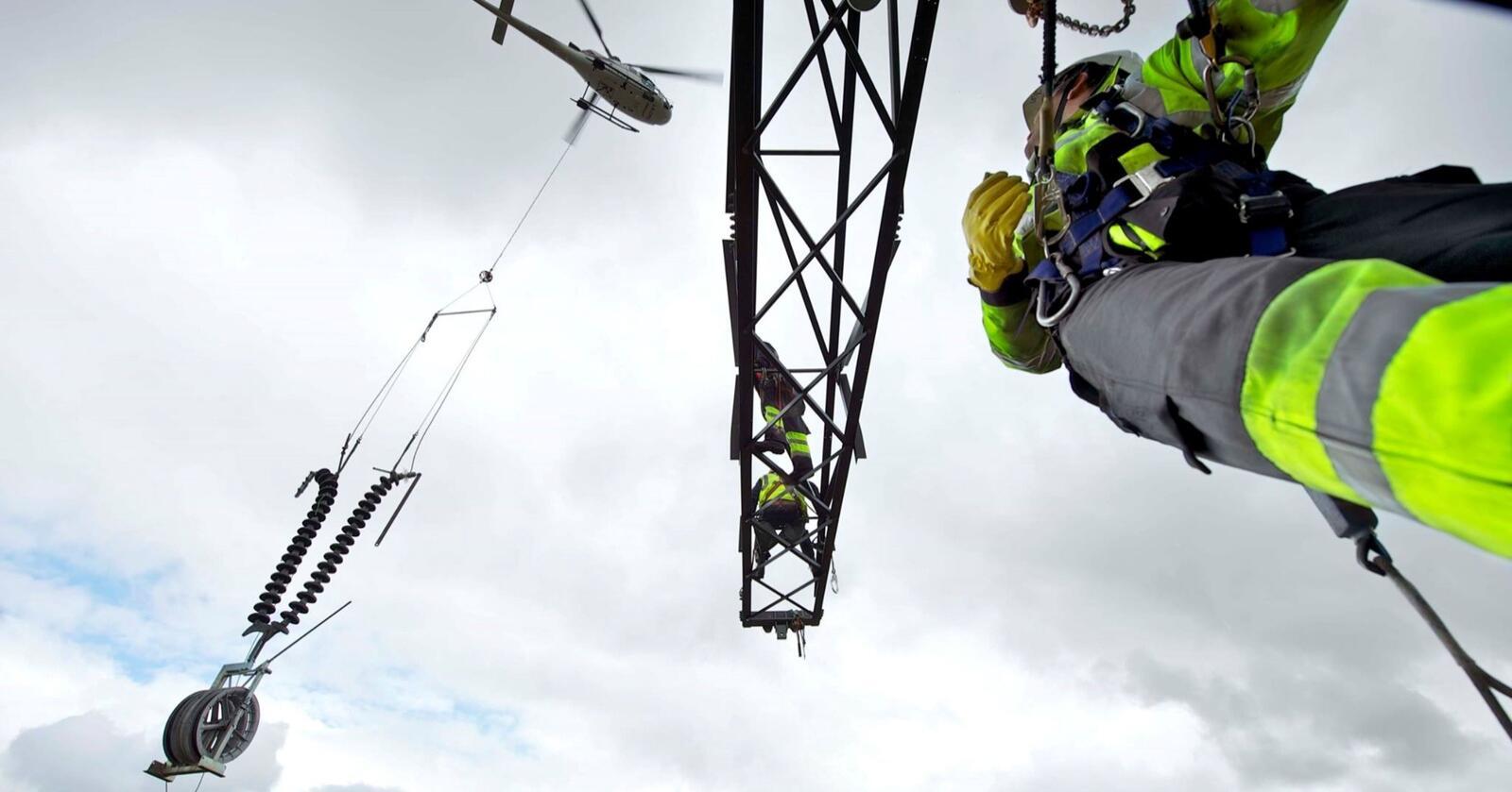 Ny industri står   kø for å knytte seg til strømnettet i takt med at det grønne skiftet skyter fart. Nye analyser fra Statnett viser at kraftforbruket kan bli opp mot 220 TWh i 2050 – som er en vekst på rundt 60 prosent i forhold til dagens strømforbruk. Foto: Statnett.