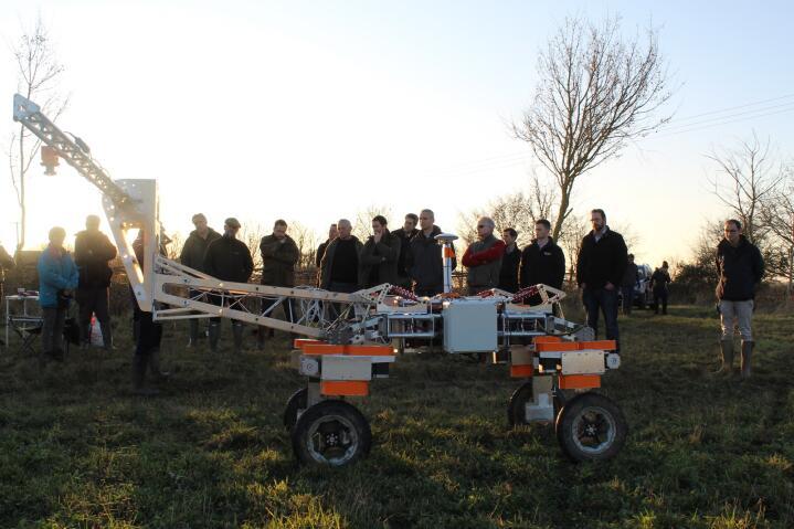 FOLKEFINANSIERT: Small Robot Company har opplevd stor interesse blant bønder som vil bidra til folkefinansieringa av selskapet. Foto: Small Robot Company