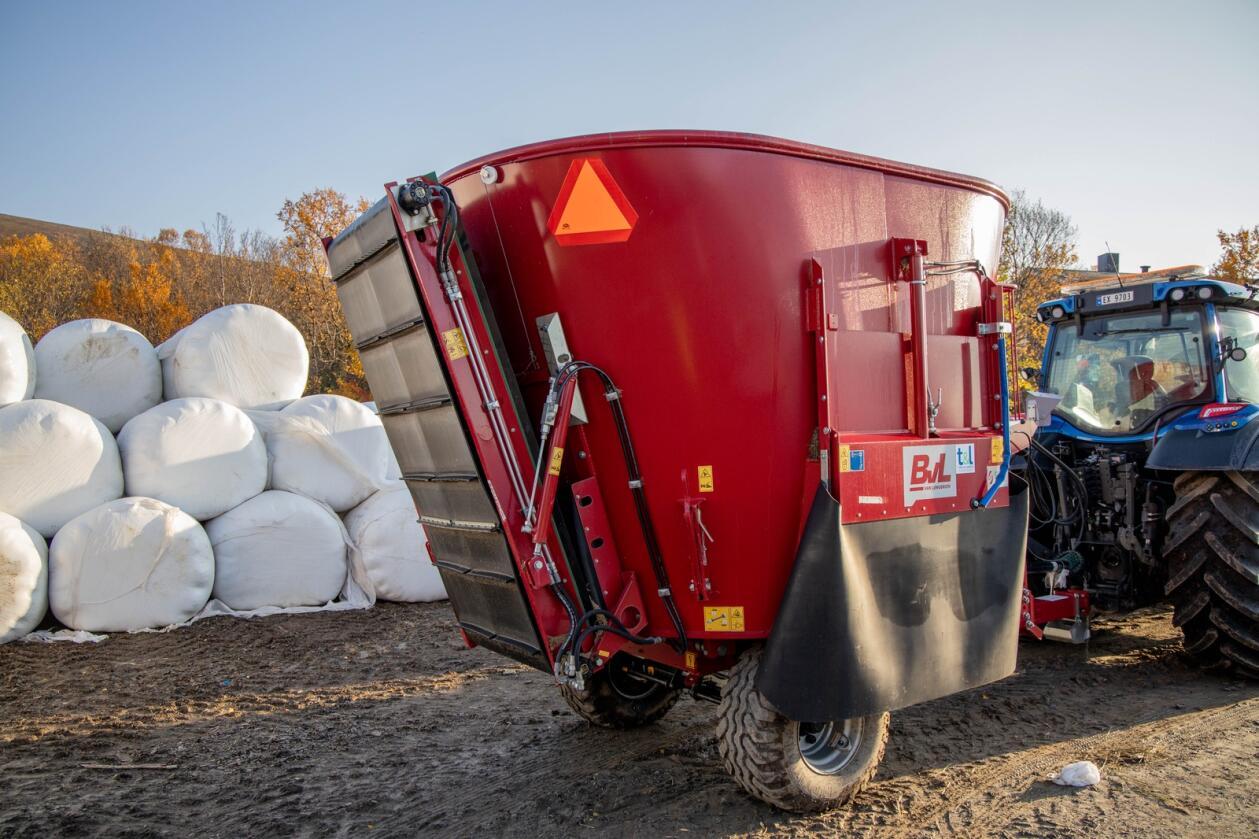 GARANTI: Med fornøydhetsgarantien kjøper den norske importøren fôrmikservogna tilbake om du ikke er fornøyd. Foto: Traktor & Landbruk
