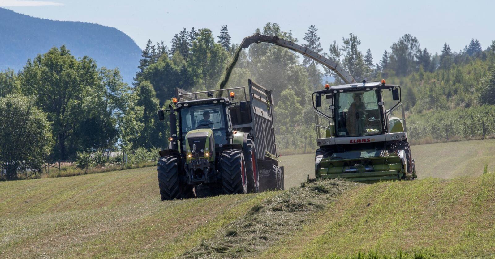 Flere bønder er misfornøyde med resultatet av jordbruksoppgjøret etter at prisen på handelsgjødsel steg med nærmere 30 prosent. Foto: Terje Bendiksby / NTB