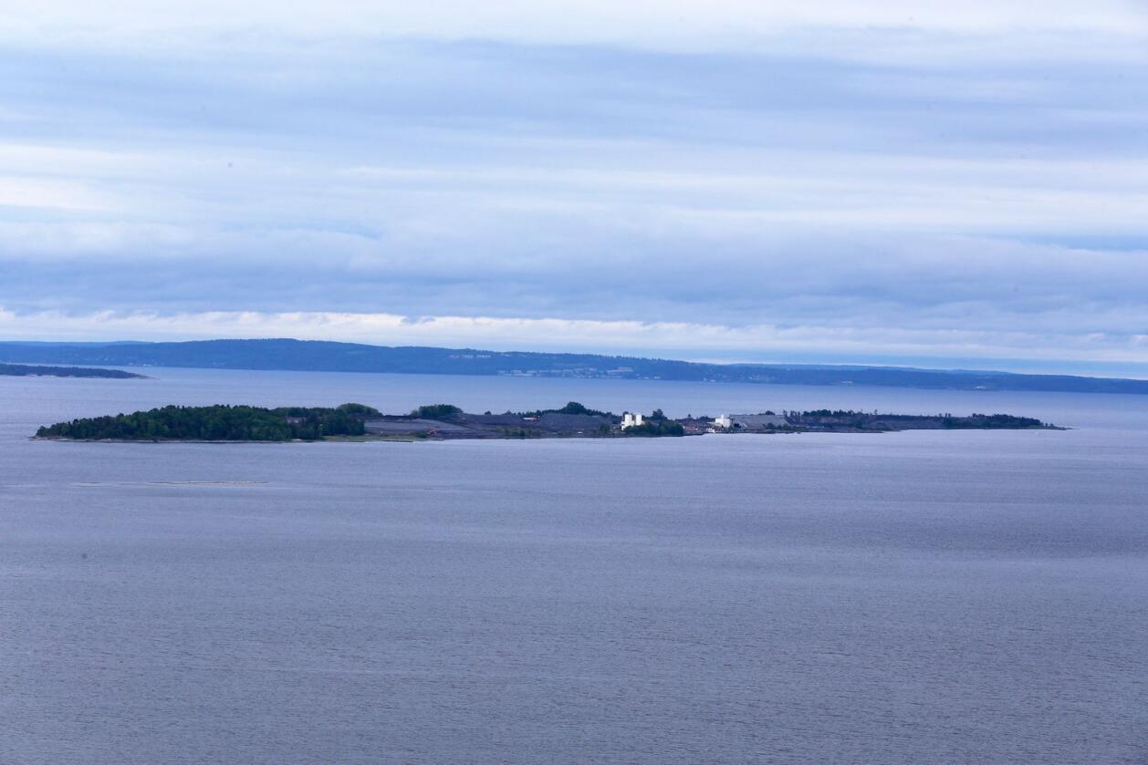 Langøya er ei øy i Holmestrandfjorden og lagringsplass for farleg avfall. Norsk Avfallshandtering til på Langøya. Foto: Vidar Ruud / NTB scanpix