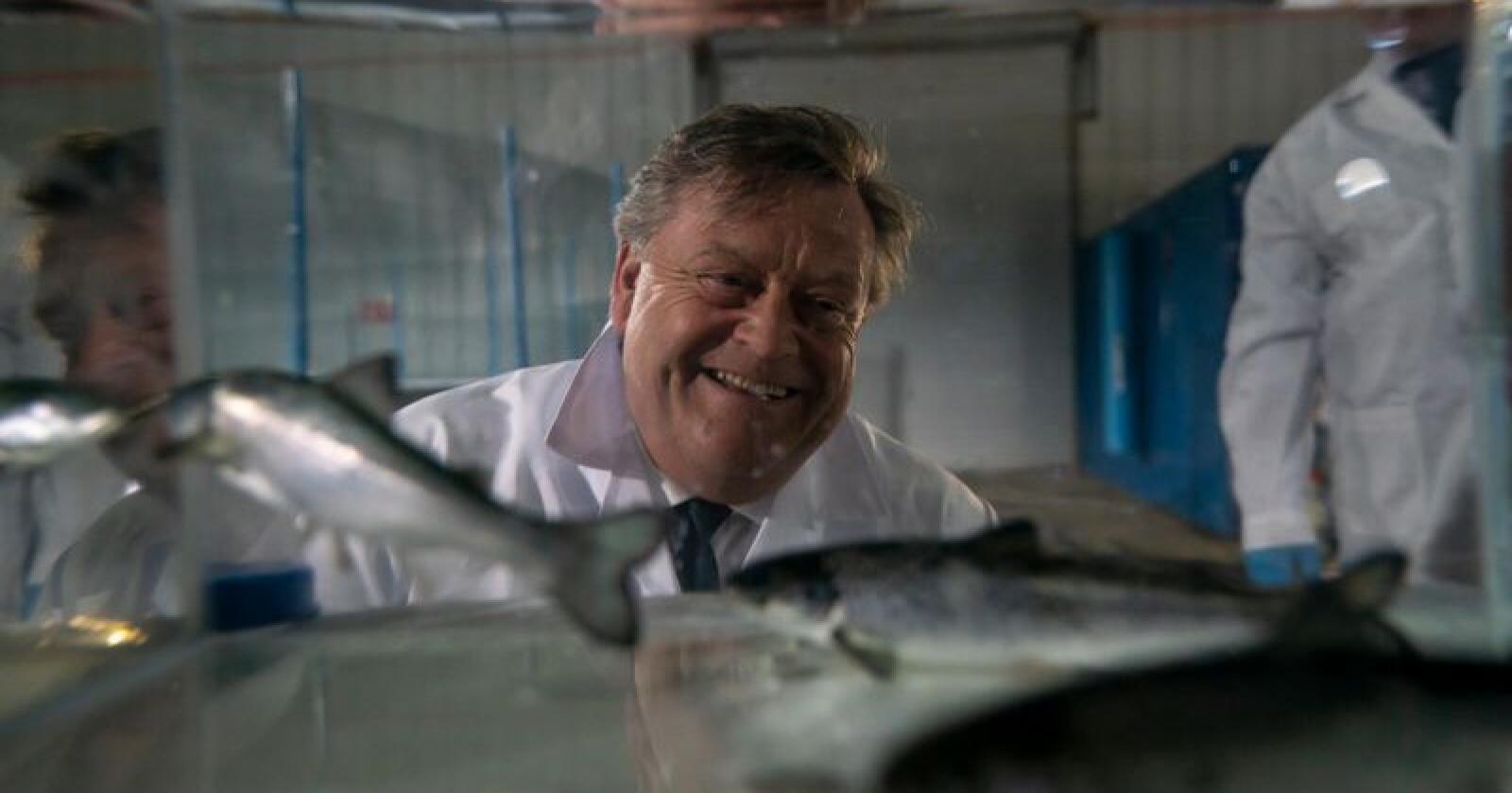 Fiskeriminister Harald T. Nesvik er svært fornøyd med utviklingen i norsk sjømatnæring. Foto: Heiko Junge / NTB scanpix