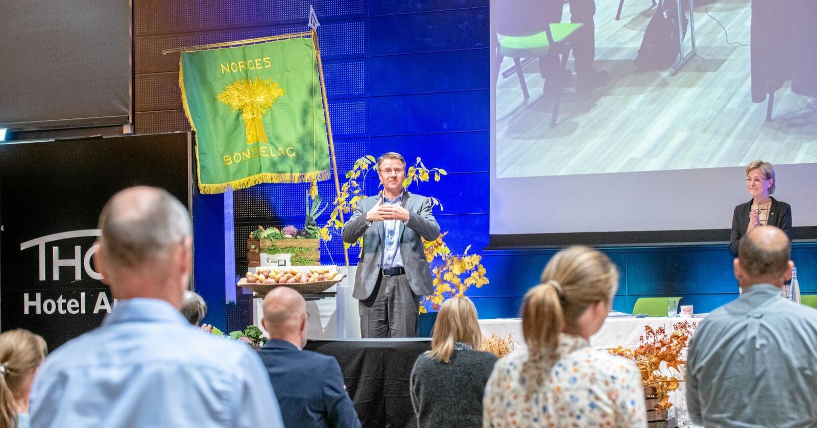 Gjenvalgt: Lars Petter Bartnes ble gjenvalgt som leder i Norges Bondelag. Foto: Vidar Sandnes