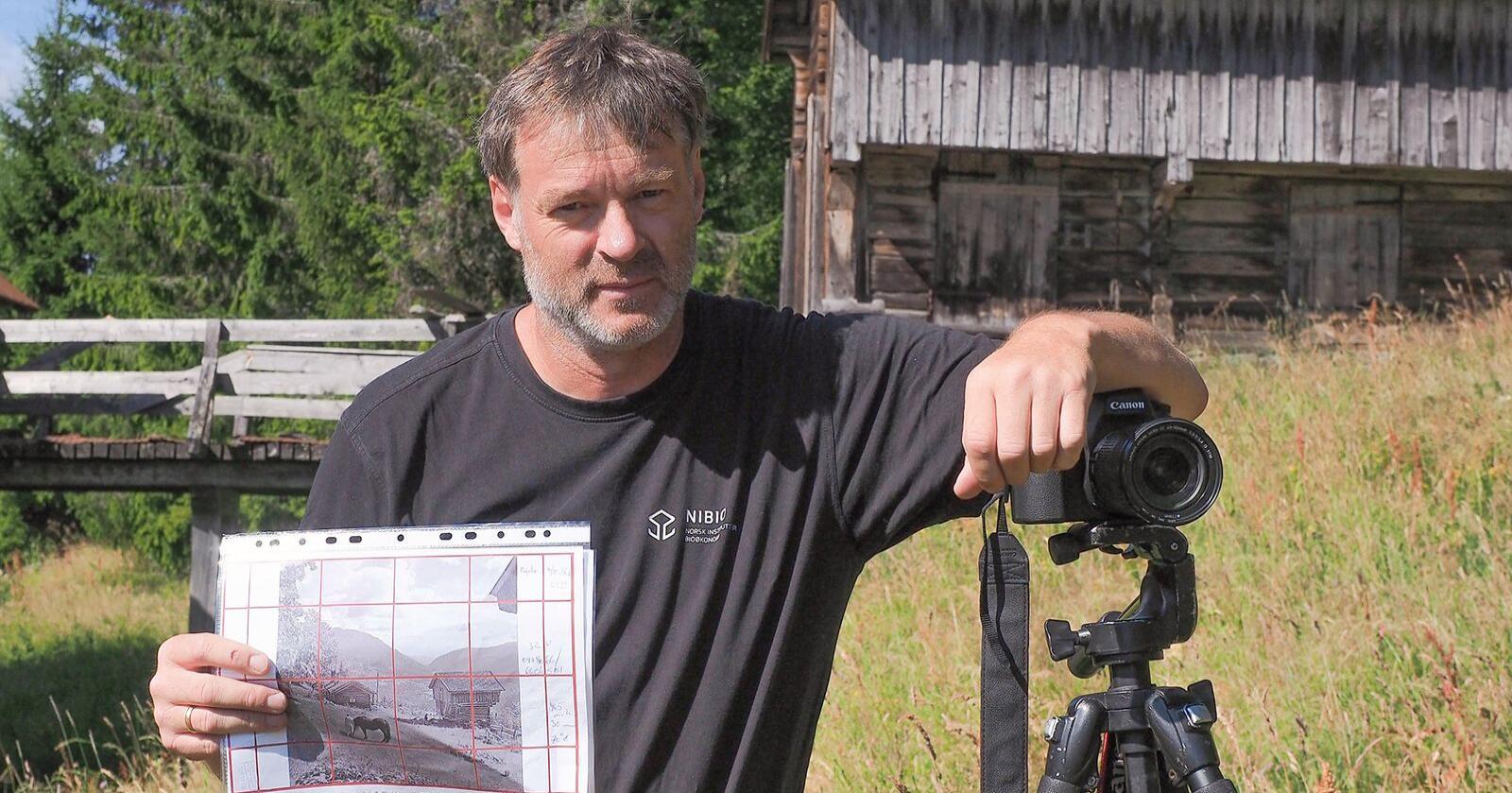 Oskalr Puschmann er landskapsgeograf og forskar i NIBIO og skal i sommar levere spalta Tilbakeblikk. Då kan du sjå korleis Norges landskap har utvikla seg. Foto: Ulrike Bayr/Nibio