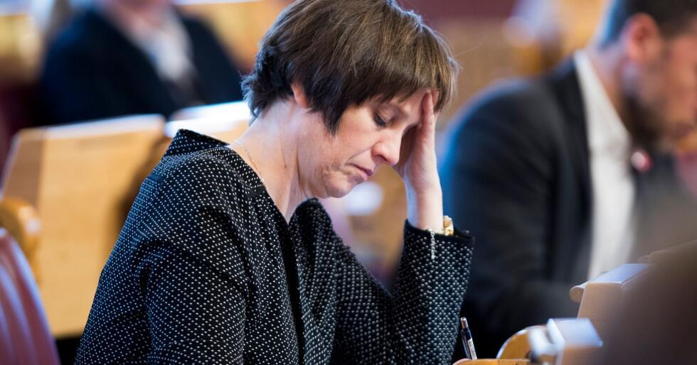 Senterpartiets helsepolitiske talsperson Kjersti Toppe mener at staten bør overta ansvaret for ambulanseflytjenesten. Foto: Terje Pedersen / NTB scanpix