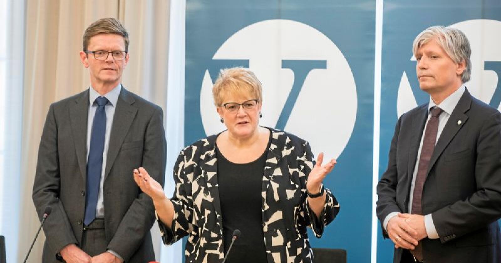 Venstres pressekonferanse før landsmøte med ledertrio Trine Skei Grande, Ola Elvestuen og Terje Breivik (t.v). Foto: Vidar Ruud / NTB scanpix