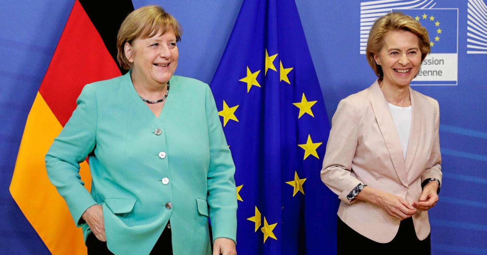 Europas mektigaste: Europeiske arbeidstakarar har all grunn til å vere spent på om van der Leyen og Merkel også vil sjå på EUs arbeids- og sosialpolitikk. Foto: Stephanie Lecocq / Pool Photo / AP / NTB scanpix