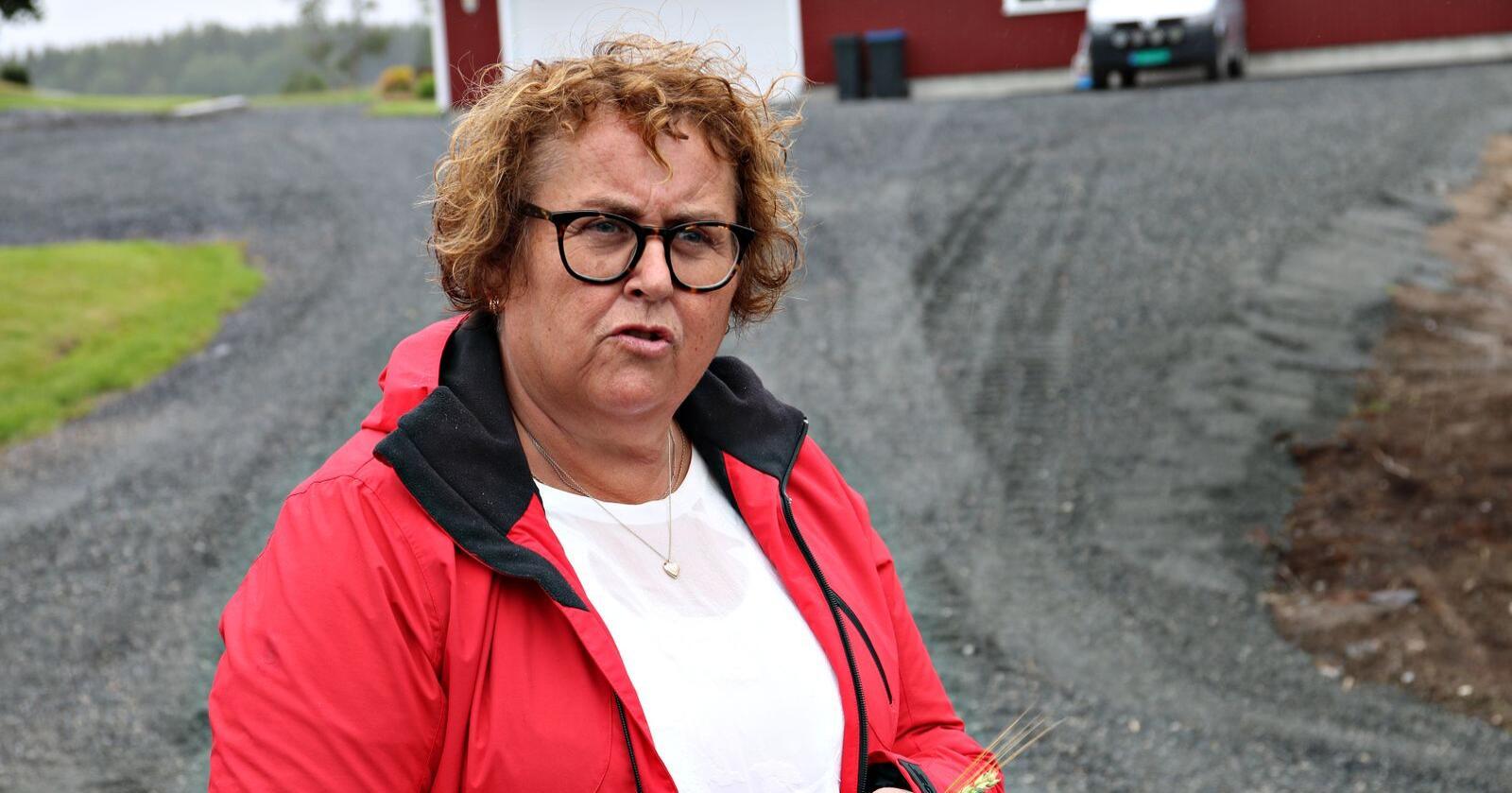 Eg har sagt fleire gonger at for meg er dyrka jorda nærast heilag grunn, skriv landbruks- og matminister Olaug Bollestad. (Foto: Lars Olav Haug)