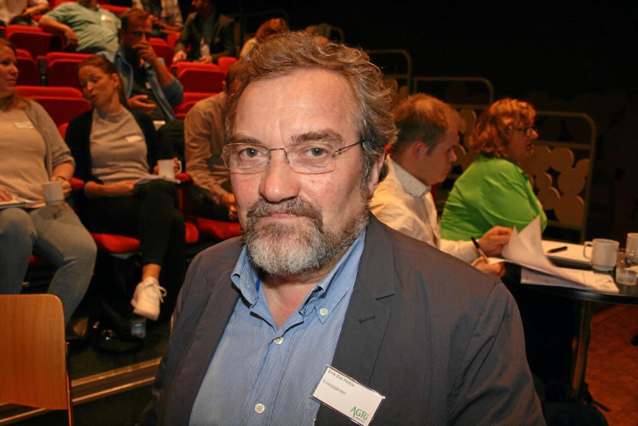 Utvalsleiar Erik Eid Hohle seier det er realistisk å klare redusere klimagassutsleppa frå jordbruket med 100.000 tonn CO2-ekvivalentar ved å bruke ein del av husdyrgjødsla til biogassproduksjon. Foto: Bjarne Bekkeheien Aase