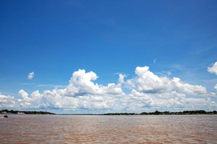 Amazonas-elven som renner gjennom den enorme jungeleni Sør-Amerika. Foto: Tore Meek / NTB scanpix