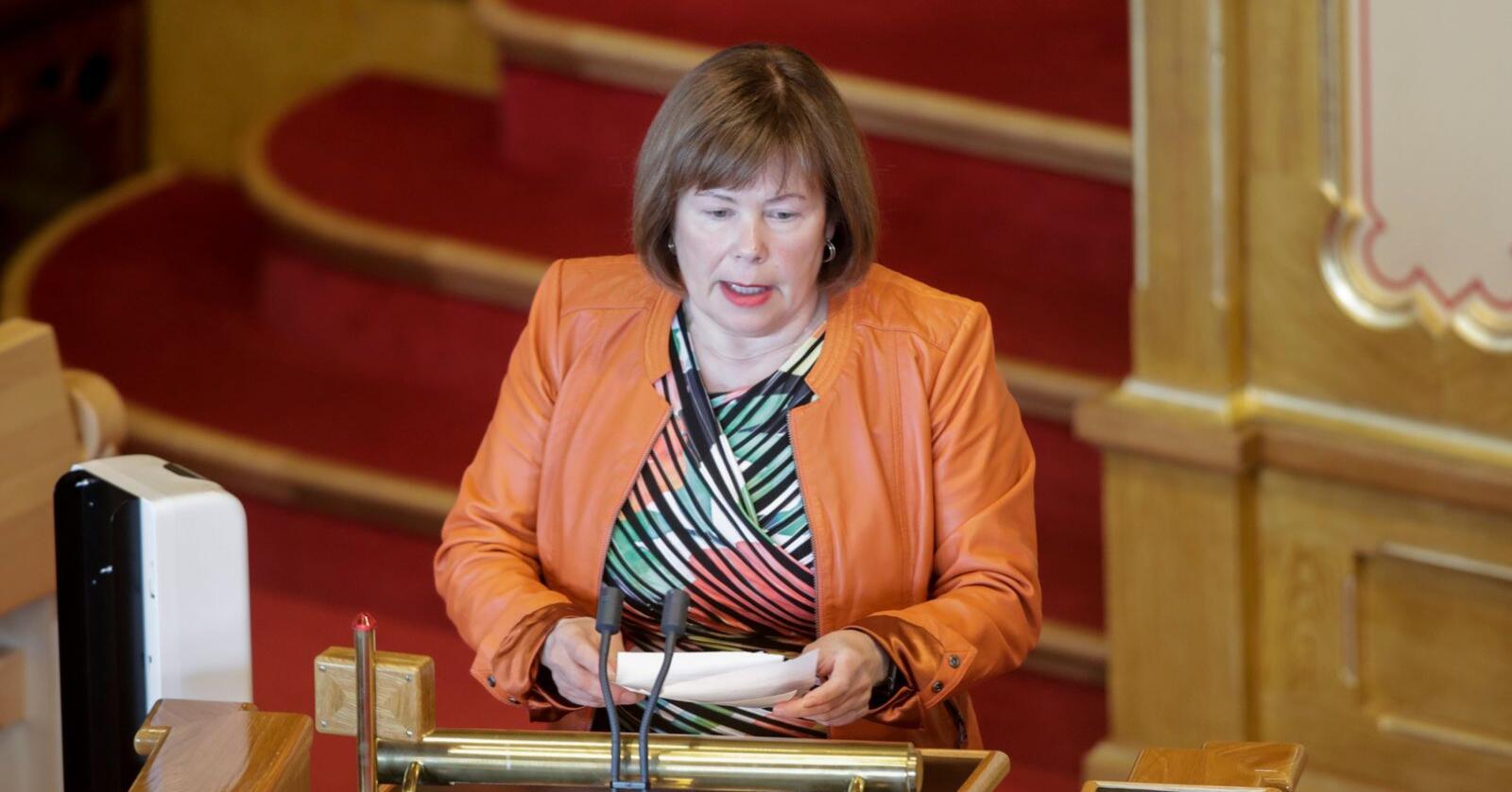 Siv Mossleth (Sp) ar lagt fram et hasteforslag på Stortinget for å hjelpe reinnæringen i Nord-Norge. Her fra spørretimen på stortinget. Foto: Vidar Ruud / NTB scanpix