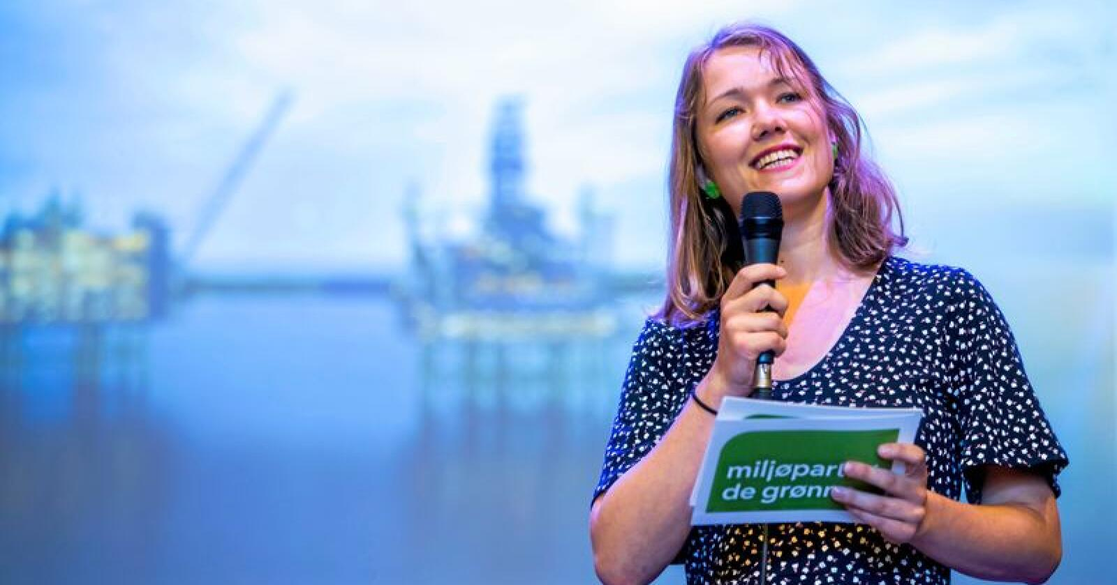 Ja til dyre flyreiser i distrikta: MDGs Une Aina Bastholm kritiserer Senterpartiet for å ville senke prisane på dyre flybillettar i distrikta. Foto: Håkon Mosvold Larsen / NTB scanpix