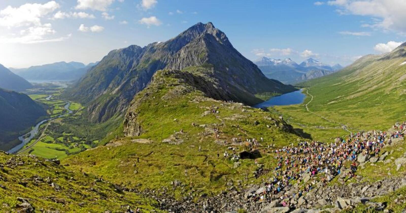 Det blir jobbet for at Romsdalseggen i Møre og Romsdal får status som nasjonal turiststi.Foto: Tarjei Husøy / Tarjei Husøy