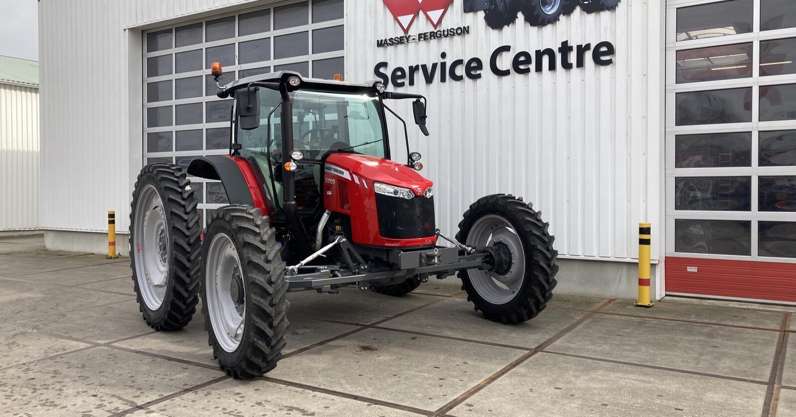 Spesial: Traktoren er bygget for en kunde som skal bruke den i økologisk drift