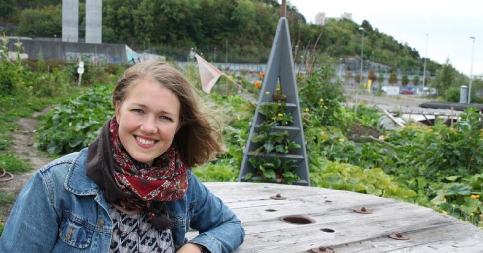 Une Aina Bastholm mener man må satse på de små og mellomstore brukene i landbruket. Foto: Lars Bilit Hagen