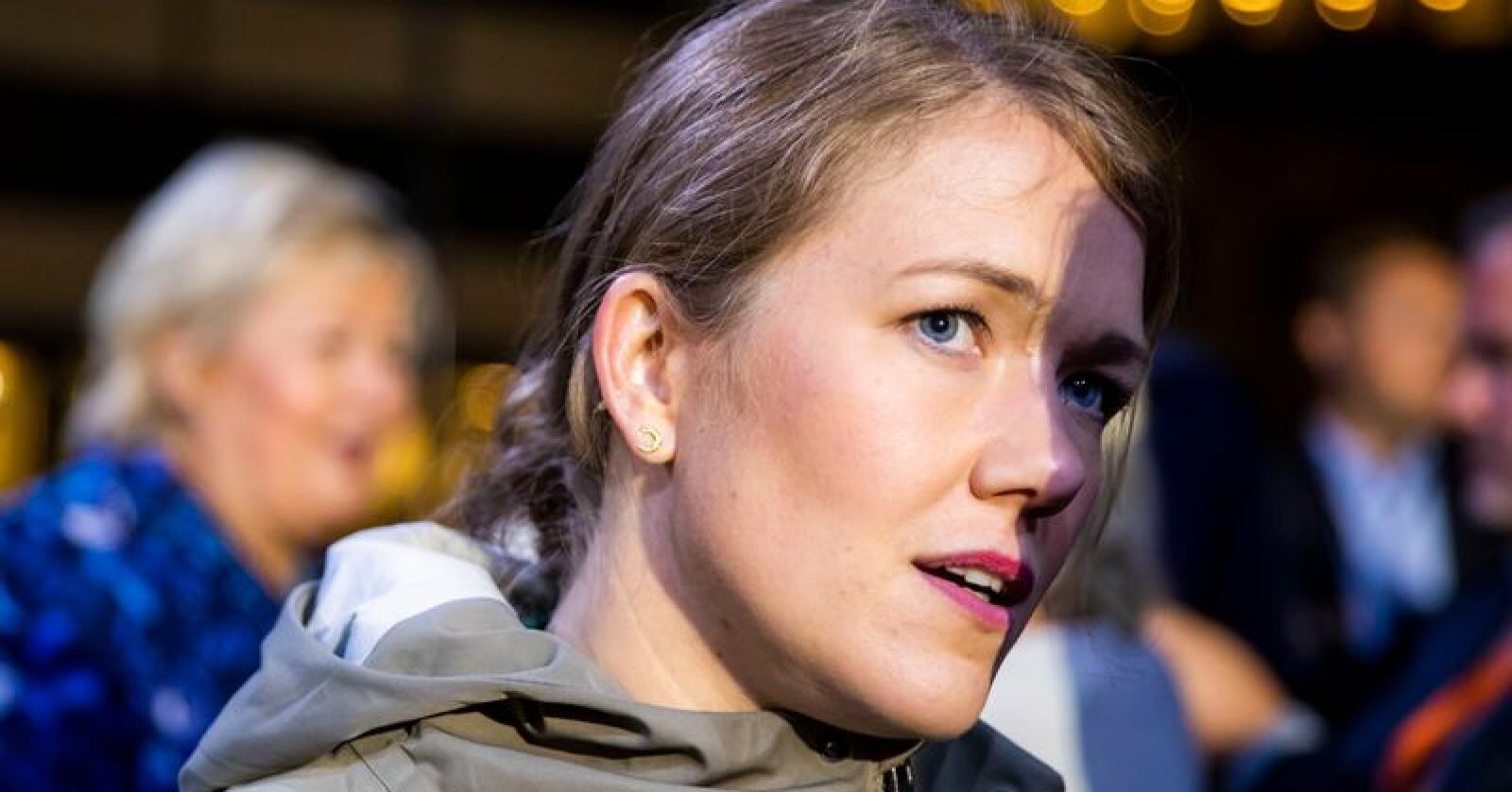 Nasjonal talsperson i Miljøpartiet De Grønne (MDG), Une Bastholm, frykter regjeringens bompengeløsning vil innebære store økte krav til kommunenes bidrag i vekstpakkene. Foto: Håkon Mosvold Larsen / NTB scanpix