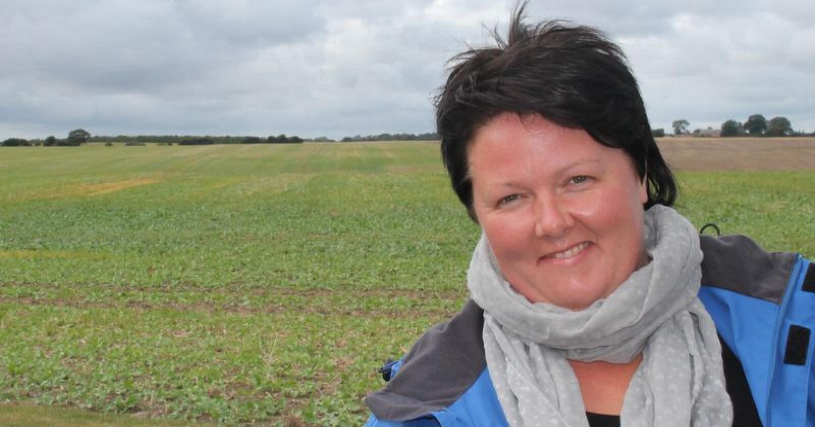 Birte Usland jobber med likestilling i landbruket. Hun ønsker tydeligere retningslinjer for både bønder og NAV, i forbindelse med ulike velferdsordninger. Foto: Øystein Moi