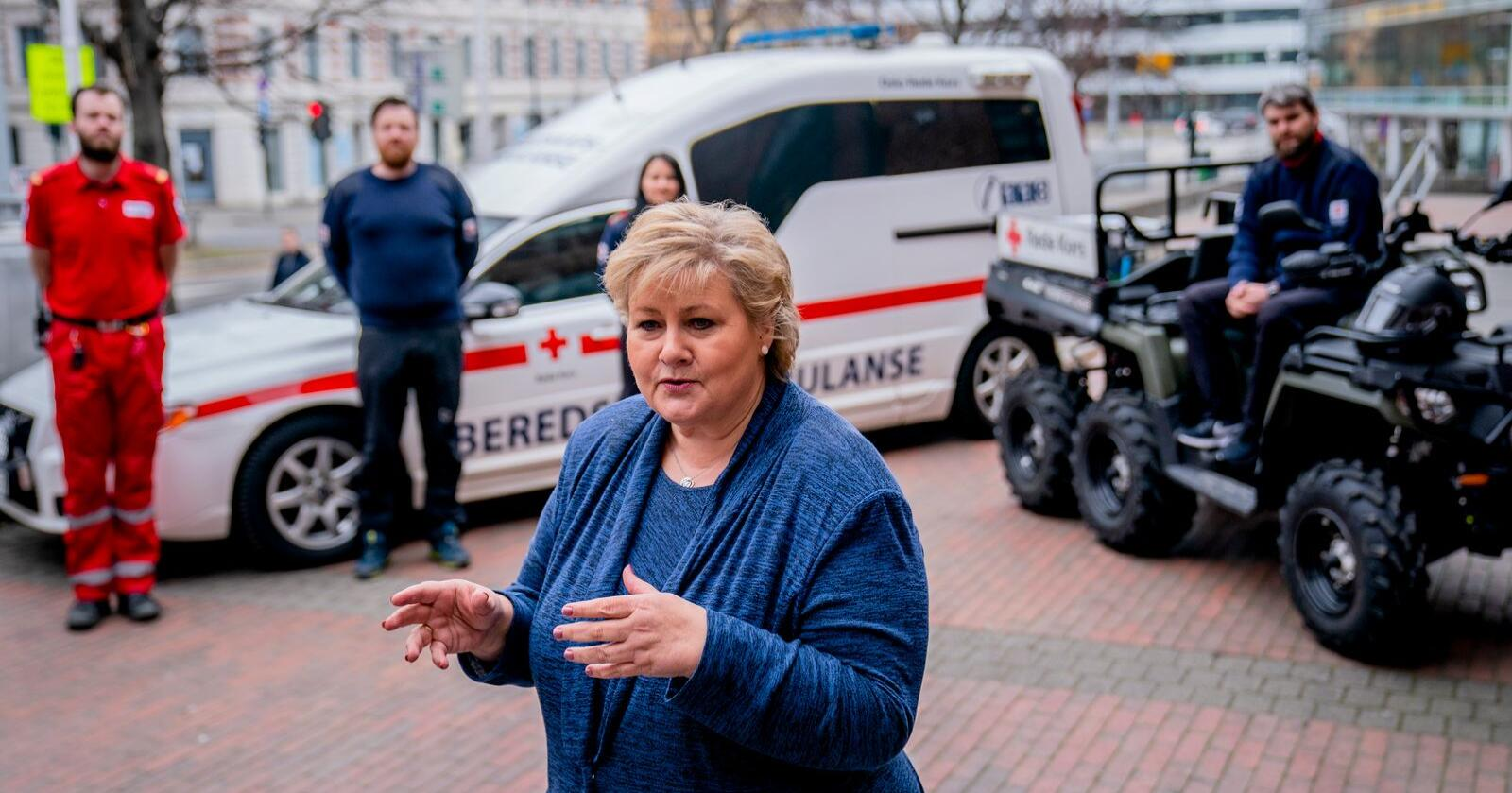 Statsminister Erna Solberg (H) har vært veldig synlig den siste måneden. Foto: Stian Lysberg Solum / NTB scanpix