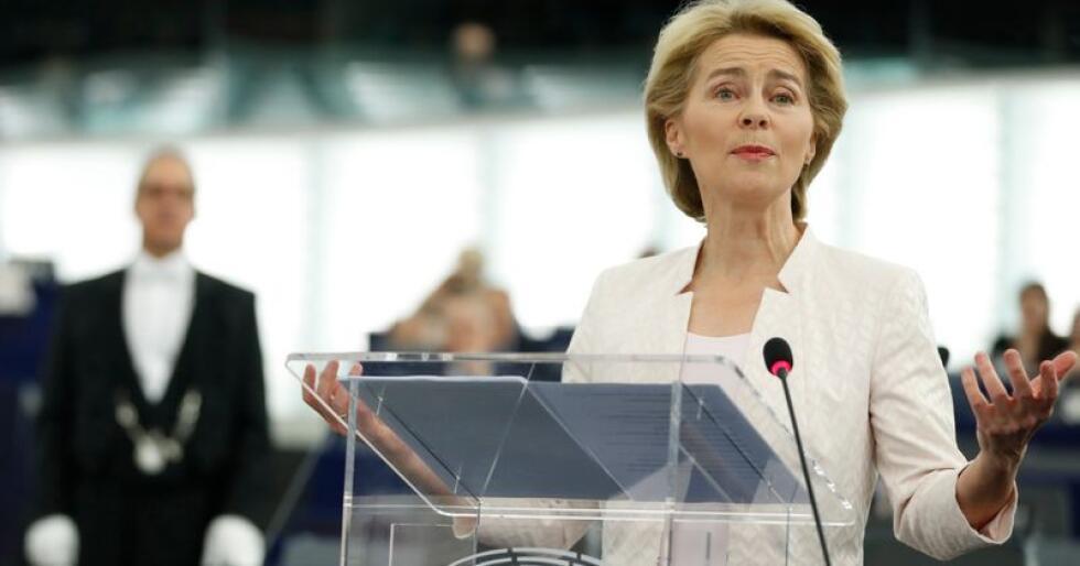 Ursula von der Leyen blir Jean-Claude Junckers etterfølger som leder for EU-kommisjonen, EUs absolutte toppjobb. Hun første kvinne i denne posisjonen. Foto: Jean-François Badias / AP / NTB scanpix