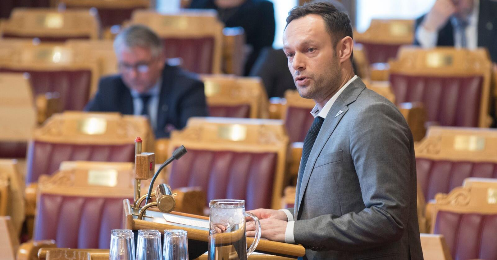 Parlamentarisk leder Torgeir Knag Fylkesnes i SV vil ha statsminister Erna Solberg (H) inn på teppet i forbindelse med ambulanseflysaken. Arkivfoto: Vidar Ruud / NTB scanpix