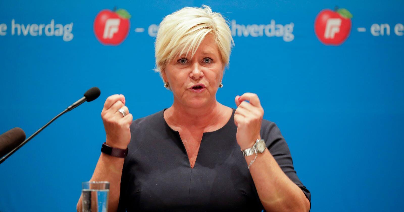 Frp-leder Siv Jensen taler til Fremskrittspartiets landsstyre på Gardermoen. Foto: Vidar Ruud / NTB scanpix