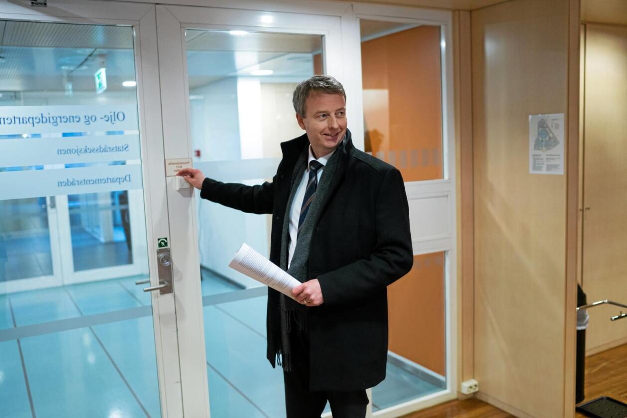 For ACER: Olje- og energiminister Terje Søviknes (Frp). Foto: Ketil Blom Haugstulen