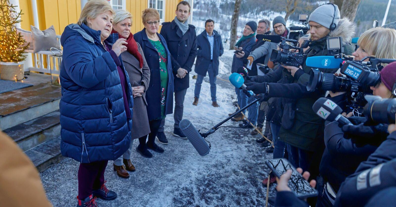 Snipp, snapp, snute: Statsminister Erna Solberg klarte kunststykket å samle de borgerlige partiene på Granavolden i fjor. Nå kan det borgerlige flertallseventyret være ute. Foto: Cornelius Poppe/NTB scanpix