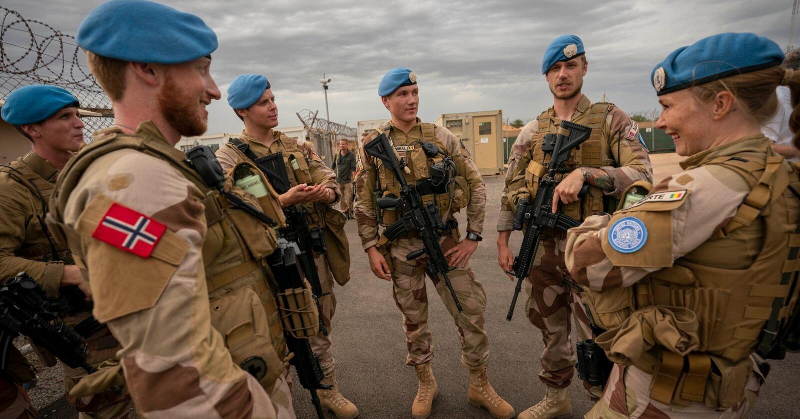 Norske FN-soldater på post i Camp Bifrost i Mali, som en del av den FNs fredsbevarende operasjon MINUSMA. Norsk deltakelse i internasjonale militæroperasjoner har kostet 32 milliarder kroner siden 1990. Foto: Heiko Junge / NTB scanpix