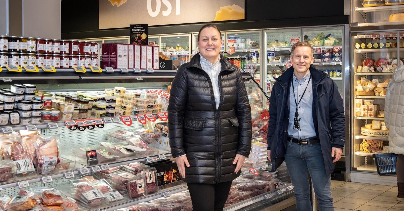 Karolina Grønås Henriksen i Nortura og Vidar Olsen i Norgesgruppen har jobbet frem en fersk avtale som sikrer mer Gilde kjøttprodukter i Norgegruppens butikker. Foto: Phuong Luu