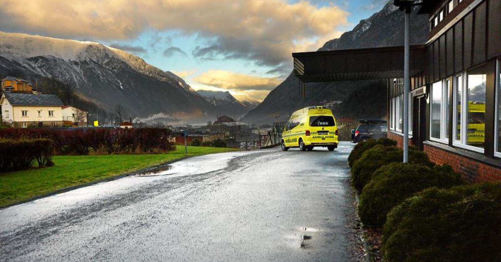 Tenester: Kampen for tenester, som ambulansetilbod, har vore viktig i mange distrikt. Foto: Siri Juell Rasmussen