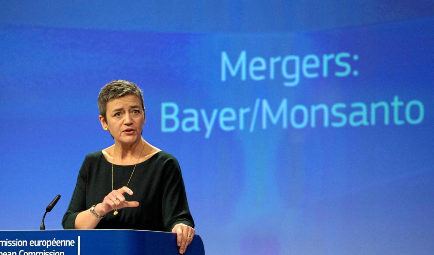 EUs konkurransekommissær Margrethe Vestager kunngjorde onsdag at EU har godkjent tyske Bayers oppkjøp av amerikanske Monsanto. Foto: AP / NTB scanpix