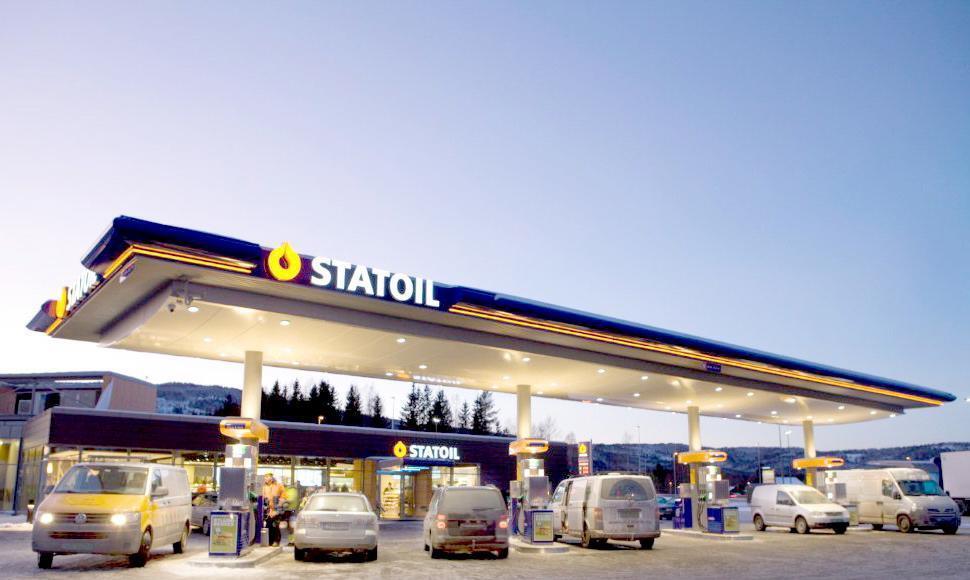 Eget selskap: Bensinstasjonene er en del av Statoil fuel & retail, som ikke har noe med kutt i norsk mat på oljeriggene til Statoil ASA å gjøre. Foto: Johnny Syversen