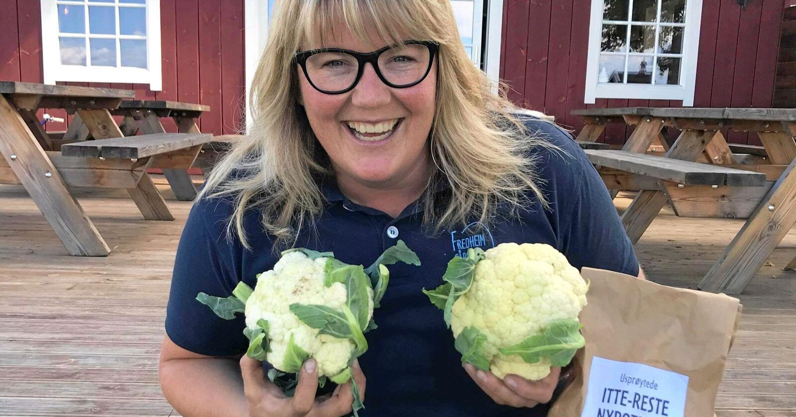 HEME: Louise Gjør driver gårdsutsalg hjemme på Fredheim. Foto: Privat