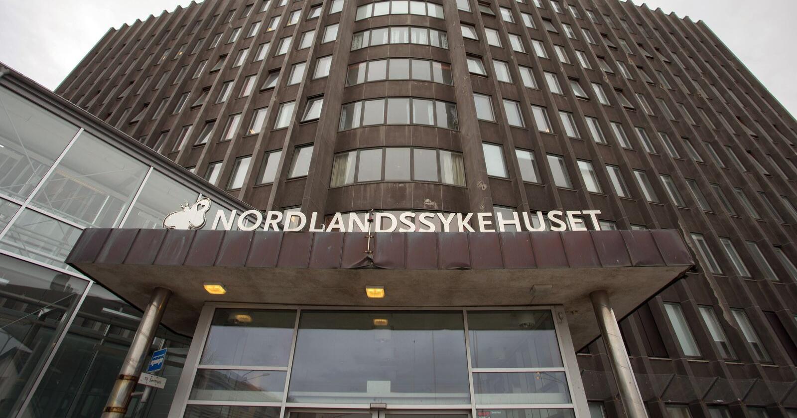 Nordlandssykehuset har en utfordring med høye og økende antall overtidstimer i bilambulansetjenesten. Arkivfoto: Tommy Angelsen / NTB scanpix