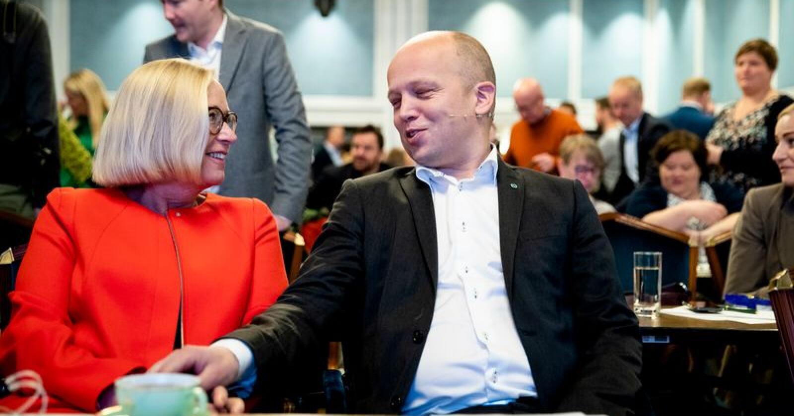 Parlamentarisk leder Marit Arnstad og partileder Trygve Slagsvold Vedum under Senterpartiets landsstyremøte på Hotell Bristol i Oslo. Nå leder de snart Norges største parti. Foto: Stian Lysberg Solum / NTB scanpix
